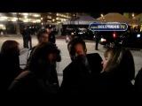 Арми Хаммер, Жан Дюжарден, Филис Смит, Сара Хайланд с поклонниками после SAG 29 января